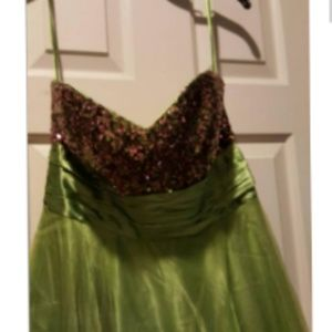 NWT chartreuse Sequin & Tulle floor length gown